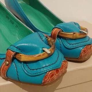 Metaphor Shoes
