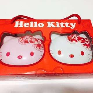 Hello Kitty 鐵盒!