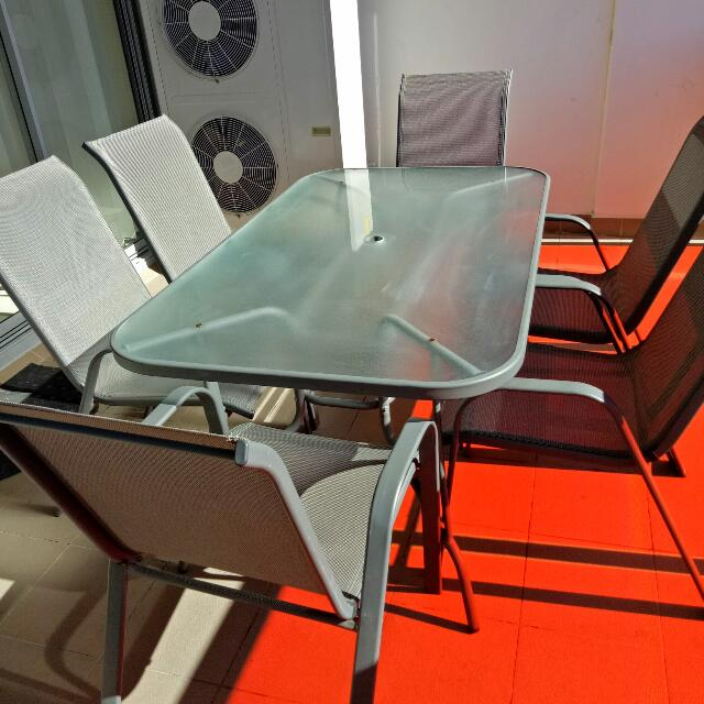7 Piece Outdoor Table & Chairs
