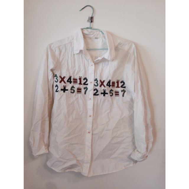 數字白襯衫