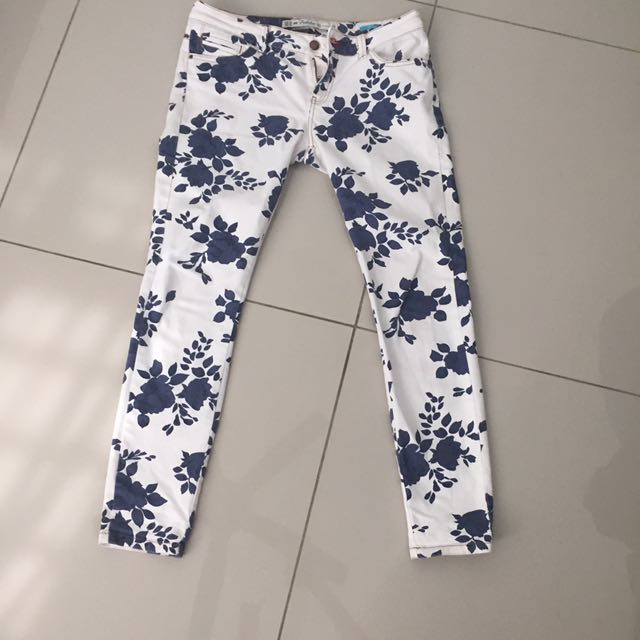 authentic zara printed jeans 36