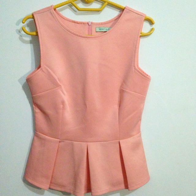 baju atasan peach merk mint&co bahan scuba
