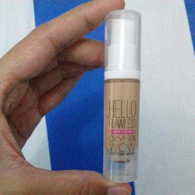 Foundation BENEFIT hello Flawless Oxygen  (Travel Size)