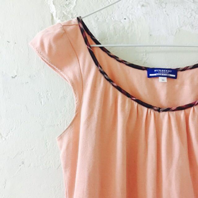 Burberry粉紅上衣
