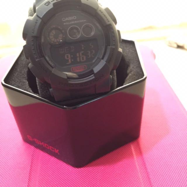 CASIO卡西歐 G-SHOCK超人氣時尚魅力電子數位腕錶 GD-120MB-1