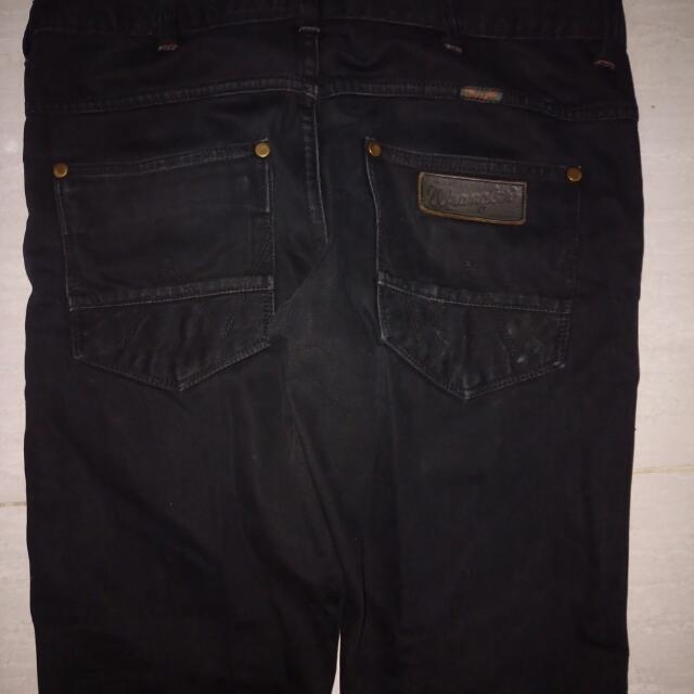 89+  Celana Wrangler Original Hitam Terlihat Keren Gratis