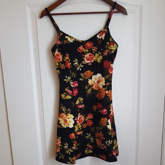 Cute Summer Dress (Large Fits Like Medium)