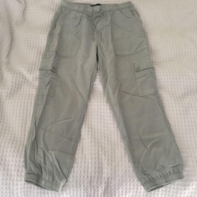 Decjuba Light Khaki Trousers