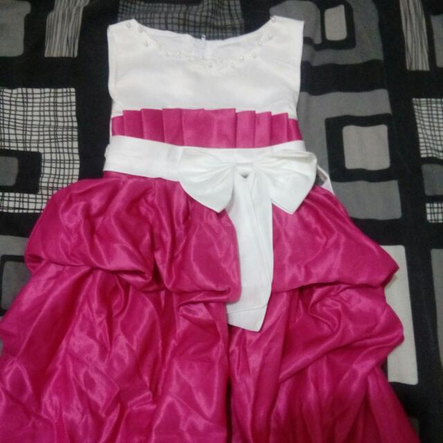 Euc little girl beautiful party dres
