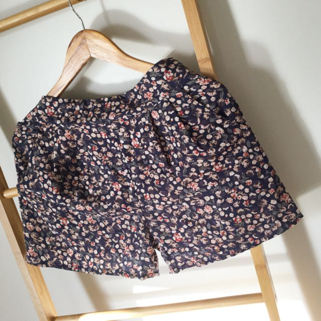 Floral Short Size 10
