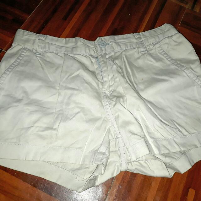 Gap White Short