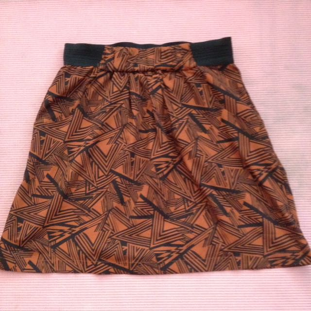 Graphic Skirt With Pockets