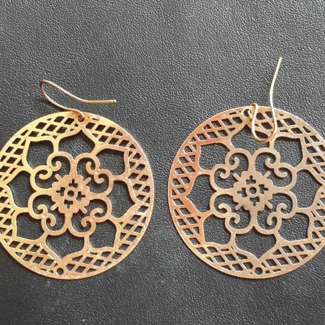 日本H&M購入金色大花耳環