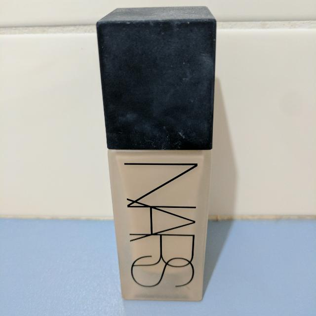 NARS All Day Luminous Weightless Foundation, Shade Light 4 Deauville