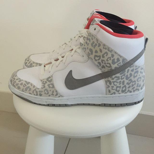 NIKE Grey Leopard Hitops