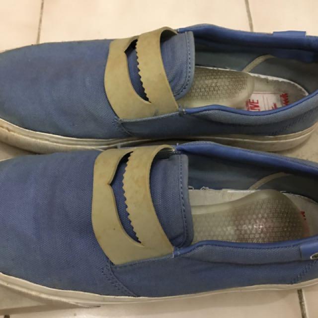 Sepatu Skets Casual Cowo Merk Lacoste