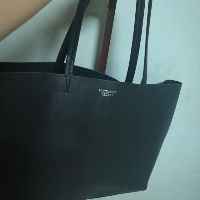 Victoria Secret Tote Used Very Slightly. Almost New.
