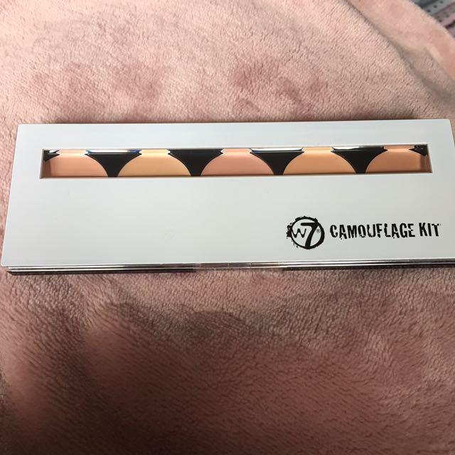 W7 Camouflage Kit