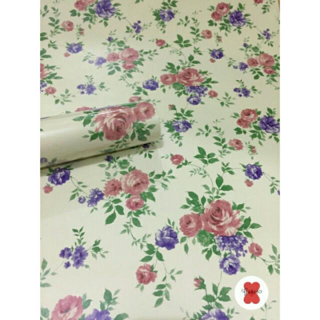 Wallpaper Dinding Motif Bunga Mawar Ungu Uk. 10 Meter, Perabotan Rumah di Carousell