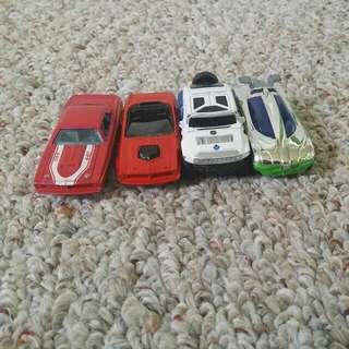 4 Hot wheels Cars