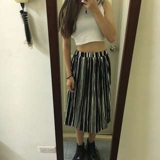 Vii&Co 黑銀撞色金屬感長褶裙