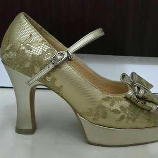 Heels 9cm DONAMICCI Uk 35 untuk Wedding Tanpa Lecet Tanpa Sakit