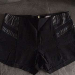 Black Shorts With Pu Leather