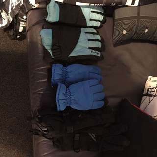 2nd Ski Pants -kids And 2 X Kids Ski Gloves & 1x Adult Ski Gloves