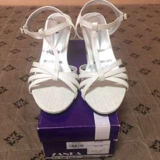 Zanea White Heels