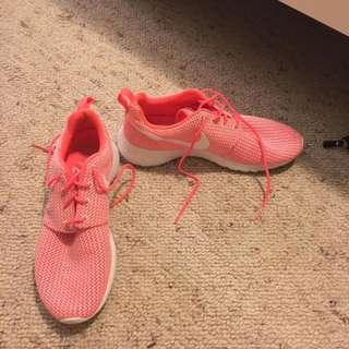 Nike Pink Roshes