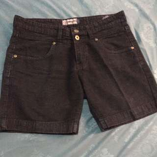 Nevada Short Black Jeans