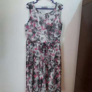 Repriced!!! Dorothy Perkins Grey Floral Dress
