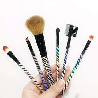 MAKE UP BRUSH SET (CLAIRE'S COSMETICS)