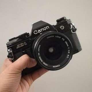 Canon AE-1 Black 35mm 3.5