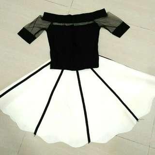 1 Set Black N White