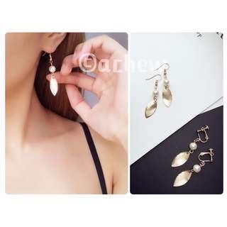 ✨全新飾品現貨👉🏻珍珠金屬羽毛造型耳環 耳針 耳釘 耳夾 無耳洞