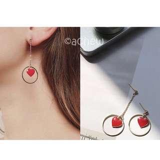 ✨全新飾品現貨👉🏻不對稱愛心圈圈造型垂墜式耳環 耳針 耳釘
