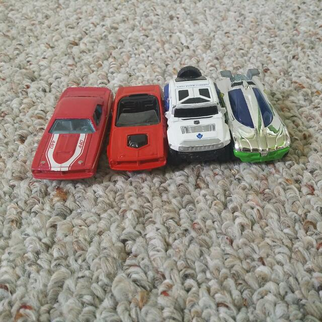 4 Hot wheels Cars