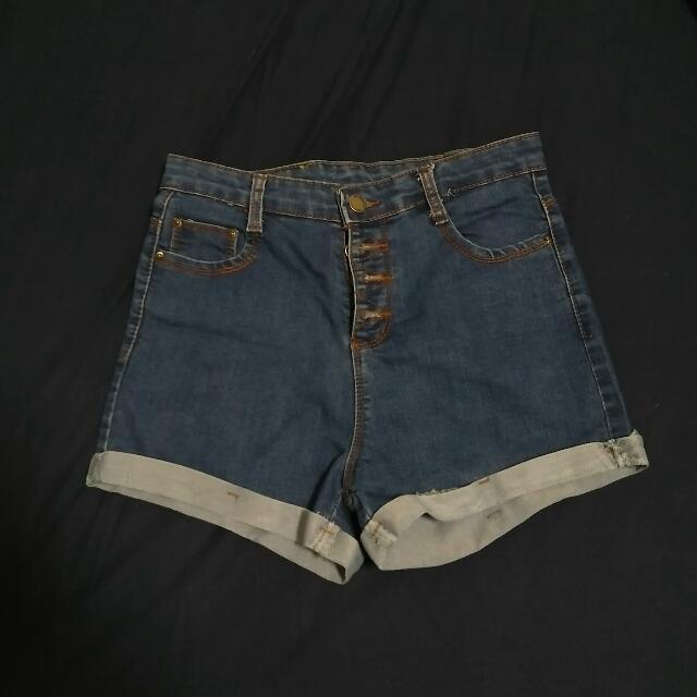 高腰排扣反折牛仔短褲
