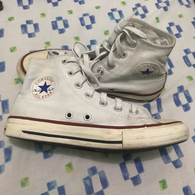 AUTHENTIC CLASSIC CHUCK TAYLOR