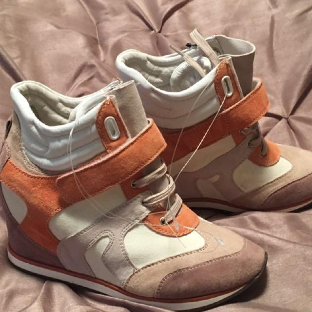 BNWT women's Geox High Heeled Sneakers
