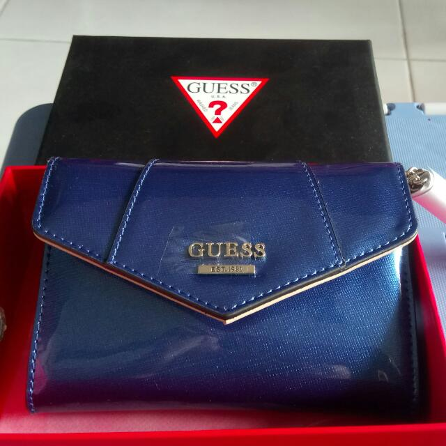 Brand New Guess Ladies Wallet With Card Holder