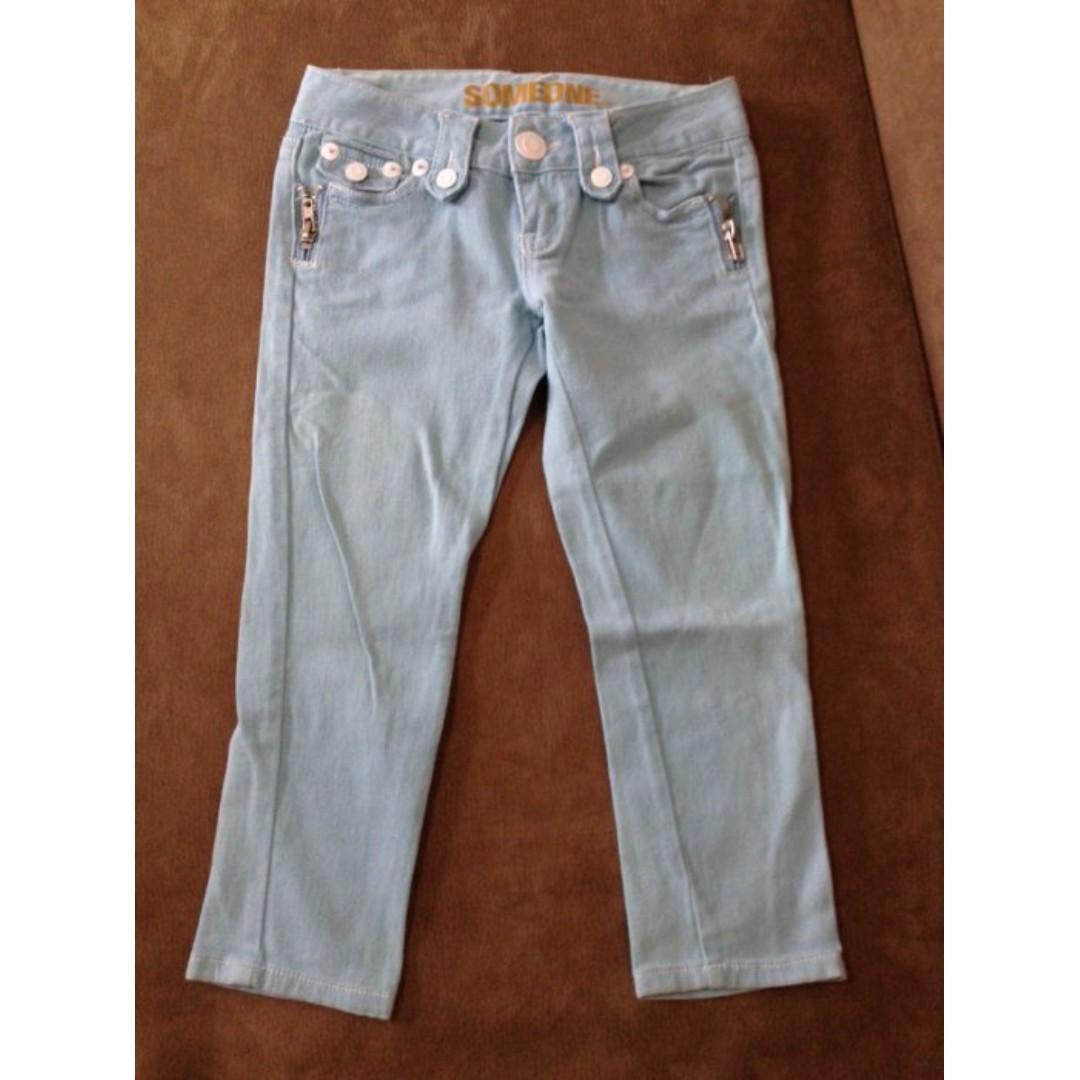 Candy Girl╭。二手現貨。夏日繽紛馬卡龍白鐵釦修身顯瘦低腰七分牛仔褲。藍