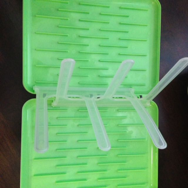 Collapsible And Portable Bottle Drying Rack