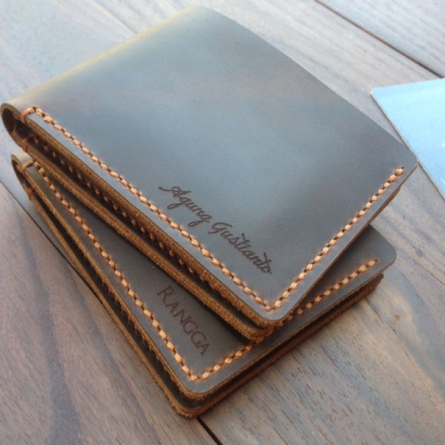 Customizable Leather Bifold Wallet| Dompet Kulit Unisex
