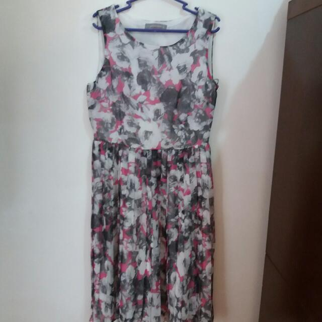 Repriced!!! Dorothy Perkins Grey Floral Dress