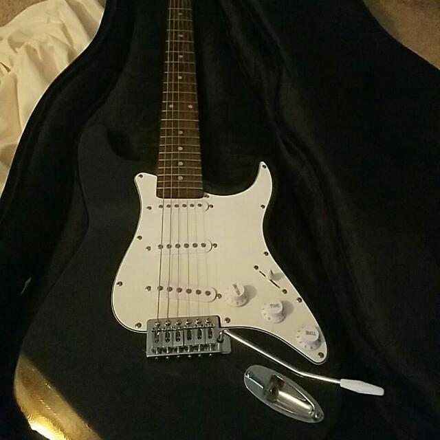 Electronic Guitar With Case