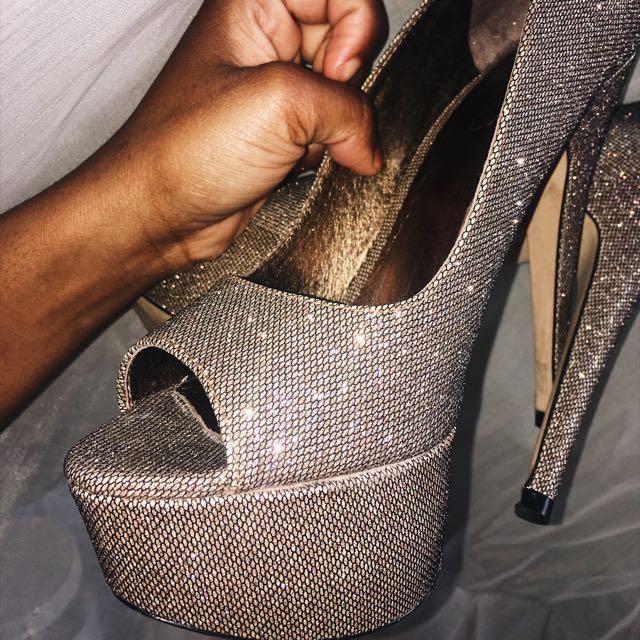 Gold Glittery Platform Heels - Size 7
