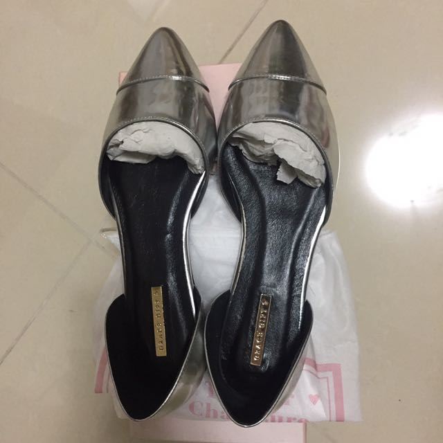 Grace Gift 銀色尖頭平底鞋