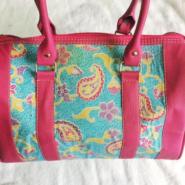 Hand Bag Motif Batik